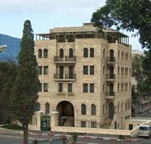 Отель бай клаб расположен в старинном